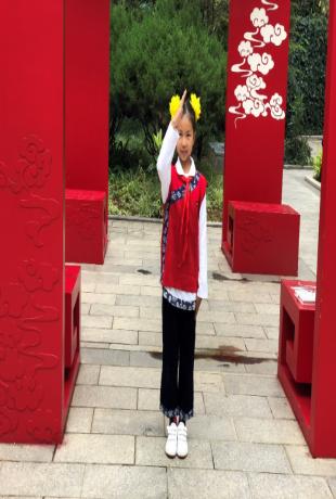 金安校区三(2)班国旗护旗手