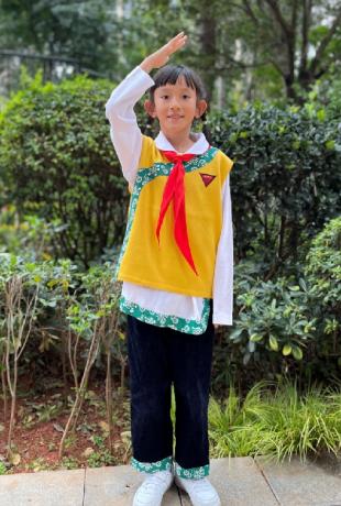 金安校区三(1)班国旗护旗手